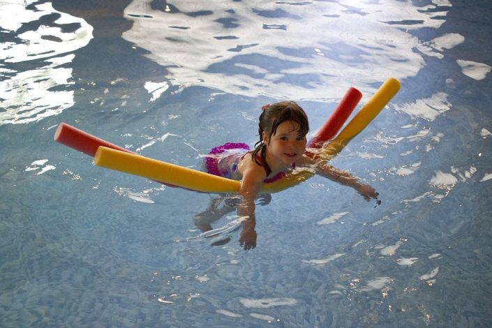 Sport-Fun-Swimming-Girl-Young-Water-Pool-Noodles-445102-705x470 Blogs